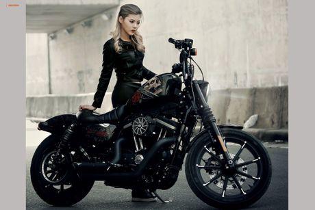 Nu biker Thu Anh sieu nong bong ben Harley-Davidson Iron 883 - Anh 4