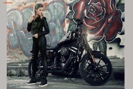 Nu biker Thu Anh sieu nong bong ben Harley-Davidson Iron 883 - Anh 5