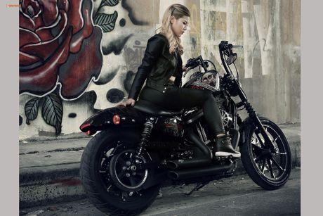 Nu biker Thu Anh sieu nong bong ben Harley-Davidson Iron 883 - Anh 6