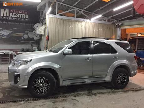 Toyota Fortuner doi cu 'lot xac' thanh Lexus LX570 sieu sang - Anh 5