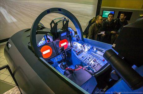 Chet me he thong huan luyen tiem kich Su-35 cua Nga - Anh 8