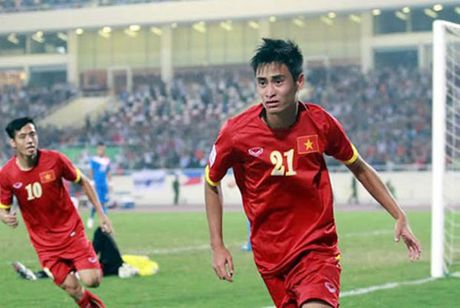 DT Viet Nam len duong sang Indonesia: Chuan bi ky cang cho tran danh lon - Anh 1