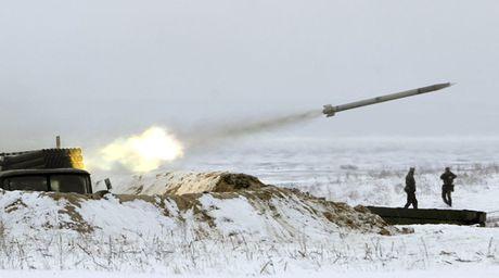 Nga gian du khi Ukraine tap tran ten lua gan Crimea - Anh 1