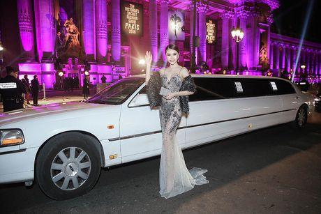 Ngoc Duyen lan dau dien dam xuyen thau, cung Le Ha toi show Victoria's Secret 2016 - Anh 13
