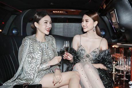 Ngoc Duyen lan dau dien dam xuyen thau, cung Le Ha toi show Victoria's Secret 2016 - Anh 3