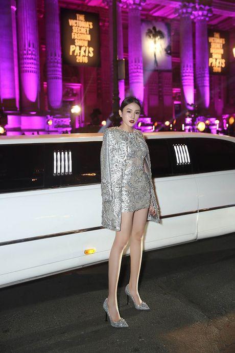 Ngoc Duyen lan dau dien dam xuyen thau, cung Le Ha toi show Victoria's Secret 2016 - Anh 7