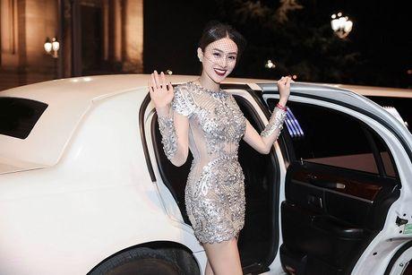 Ngoc Duyen lan dau dien dam xuyen thau, cung Le Ha toi show Victoria's Secret 2016 - Anh 9