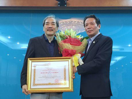 Pho Cuc truong Cuc Bao chi Vu Thanh Son nhan Huan chuong Lao dong hang Ba - Anh 1