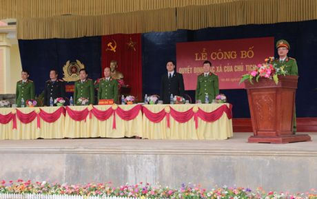 Trai giam Hong Ca ron rang trong ngay dac xa - Anh 1