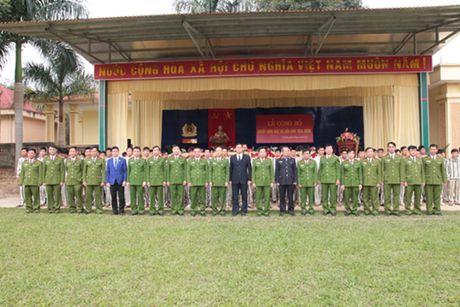 Trai giam Hong Ca ron rang trong ngay dac xa - Anh 4