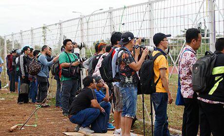 DTVN: Huu Thang lam 100 phong vien o Indonesia bat ngo - Anh 8