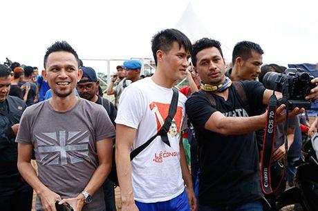 DTVN: Huu Thang lam 100 phong vien o Indonesia bat ngo - Anh 9