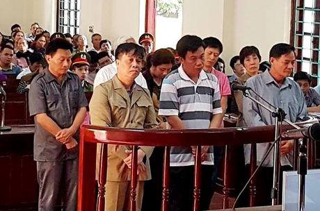 Cuu Bi thu TP Vinh Yen va dong pham linh an - Anh 1