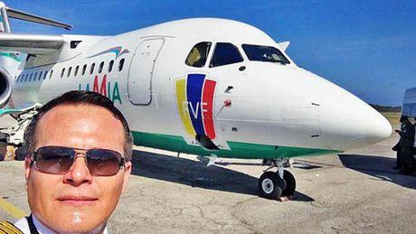 Phut tuyet vong cua phi cong chung kien may bay cho CLB Brazil roi - Anh 3