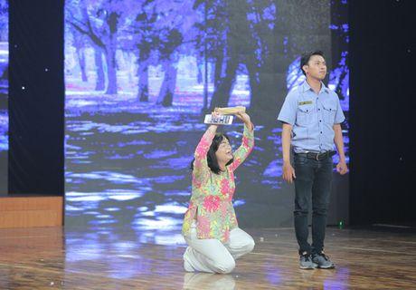 Cuoi xuyen Viet: Trinh Tu Trung nhan 'con mua loi khen' tu giam khao Hoai Linh - Anh 3