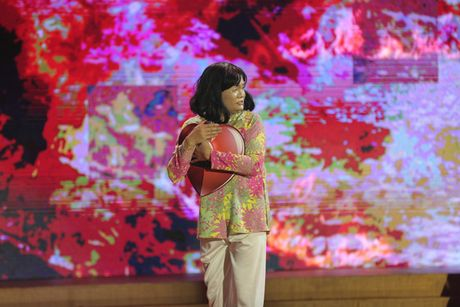 Cuoi xuyen Viet: Trinh Tu Trung nhan 'con mua loi khen' tu giam khao Hoai Linh - Anh 6