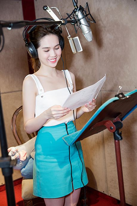 Ngoc Trinh bat ngo tham gia long tieng cho voi Meena trong 'Dau truong am nhac' - Anh 1