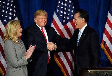Bua an toi guong gao giua Trump va Romney - Anh 1