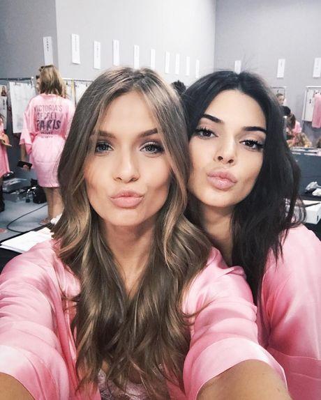 HOT: Anh hau truong chua tiet lo cua Victoria's Secret Show 2016 - Anh 12