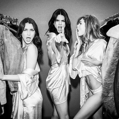 HOT: Anh hau truong chua tiet lo cua Victoria's Secret Show 2016 - Anh 1
