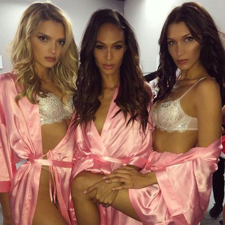 HOT: Anh hau truong chua tiet lo cua Victoria's Secret Show 2016 - Anh 3