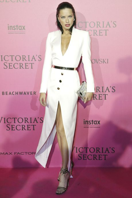 Xiem y 'mac nhu khong' cua dan mau tai tiec hau Victoria's Secret - Anh 16