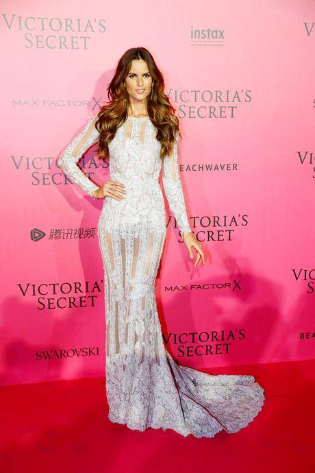 Xiem y 'mac nhu khong' cua dan mau tai tiec hau Victoria's Secret - Anh 2