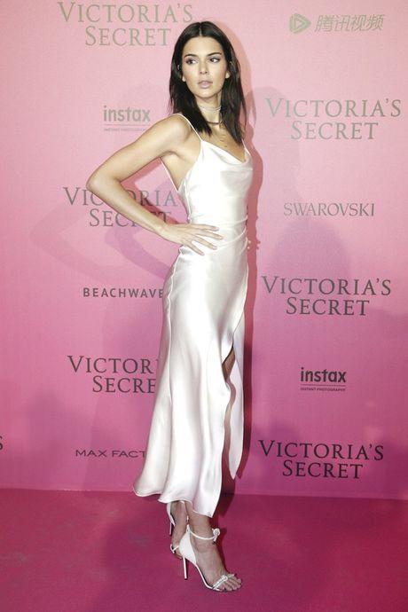 Xiem y 'mac nhu khong' cua dan mau tai tiec hau Victoria's Secret - Anh 6