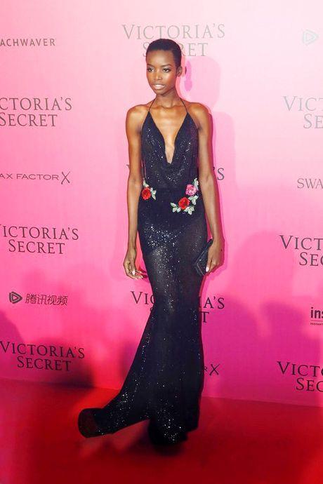 Xiem y 'mac nhu khong' cua dan mau tai tiec hau Victoria's Secret - Anh 9