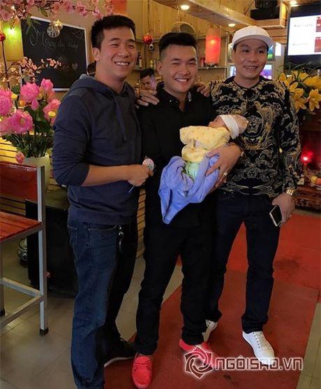 """Hiep Ga to chuc tiec day thang tung bung cho con trai mac scandal bi to """"bung tien"""" - Anh 7"""