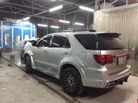 Tho Sai Gon do Toyota Fortuner phong cach Wald International - Anh 3