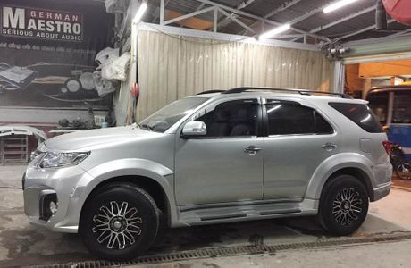 Tho Sai Gon do Toyota Fortuner phong cach Wald International - Anh 5
