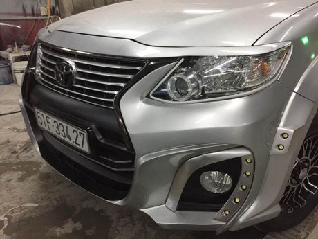 Tho Sai Gon do Toyota Fortuner phong cach Wald International - Anh 7