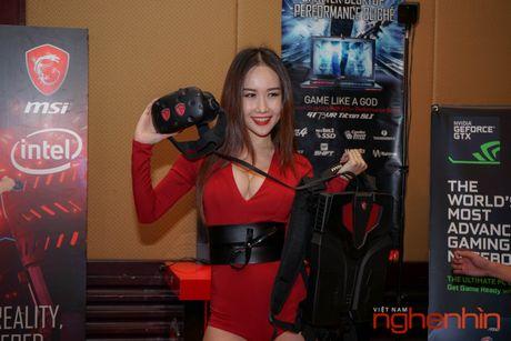 Ba-lo thuc te ao MSI VR One len ke Viet gia 55 trieu - Anh 1
