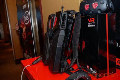 Ba-lo thuc te ao MSI VR One len ke Viet gia 55 trieu - Anh 3