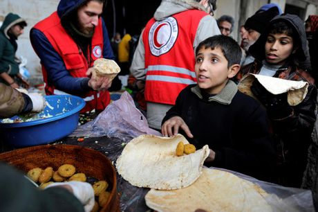 Cuoc song ben trong khu vuc do quan chinh phu kiem soat o Aleppo - Anh 4