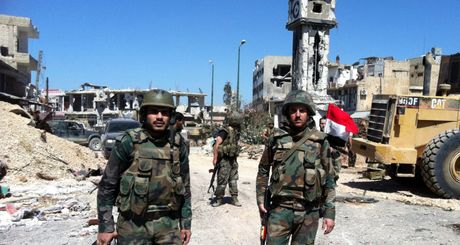 Chien su Syria: Quan chinh phu quet sach dong Aleppo, hang tram phien quan dau hang - Anh 1