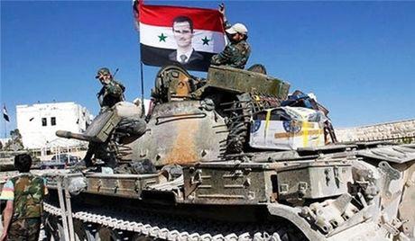 Quan doi Syria tan cong luc luong khung bo IS va Al-Qaeda Syria - Anh 1