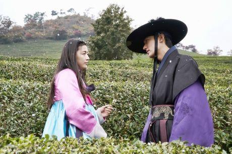 Jun Ji Hyun bat ngo bi tai nan xe hoi, tinh mang ngan can treo soi toc - Anh 3