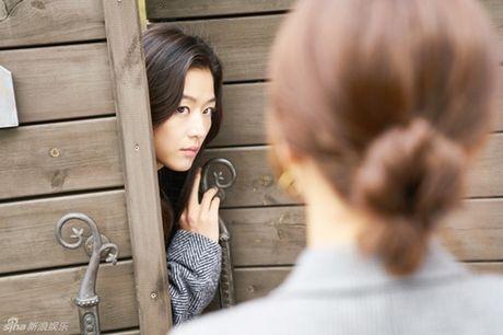 Jun Ji Hyun bat ngo bi tai nan xe hoi, tinh mang ngan can treo soi toc - Anh 5