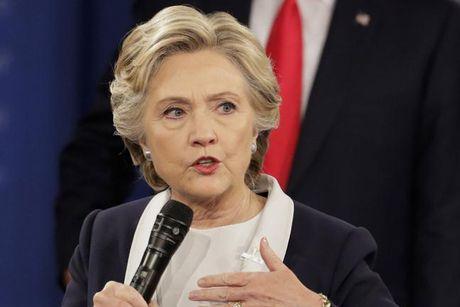 Ba Clinton lan dau len tieng ve kiem lai phieu bau tong thong - Anh 1