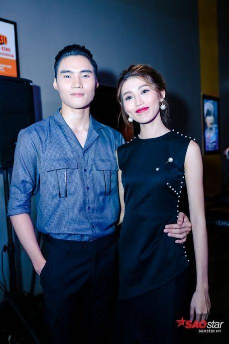 Dien dam trang, Pham Huong hoa cong chua tinh khoi di ra mat phim - Anh 10