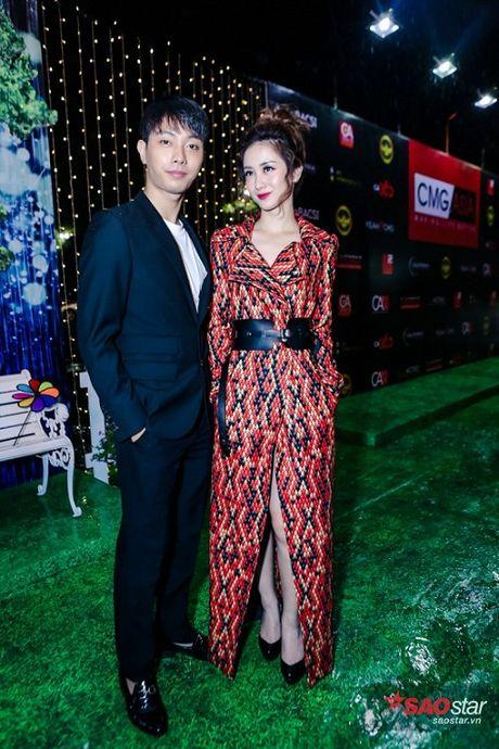 Dien dam trang, Pham Huong hoa cong chua tinh khoi di ra mat phim - Anh 5