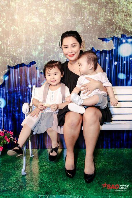 Dien dam trang, Pham Huong hoa cong chua tinh khoi di ra mat phim - Anh 7