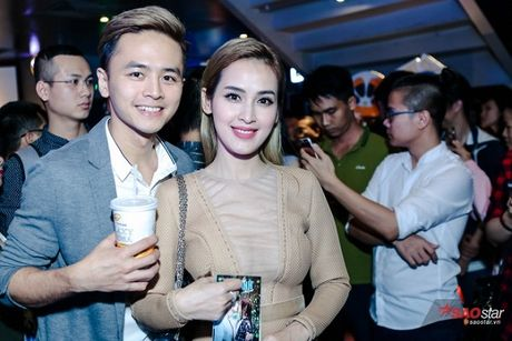 Dien dam trang, Pham Huong hoa cong chua tinh khoi di ra mat phim - Anh 9