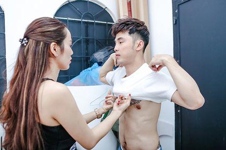 Nhin Kim Cuong cham soc Ung Hoang Phuc, ai chang muon mot to am hanh phuc nhu nay - Anh 4