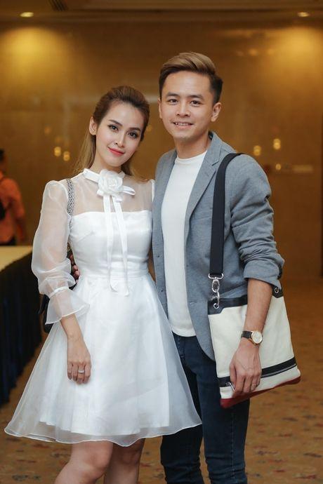 Tu Vi - Van Anh ngot ngao sanh doi di su kien - Anh 1