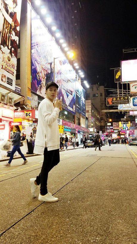 Bi mat sang Hong Kong, Noo Phuoc Thinh mong ngong tung gio de xuat hien tren tham do MAMA - Anh 3