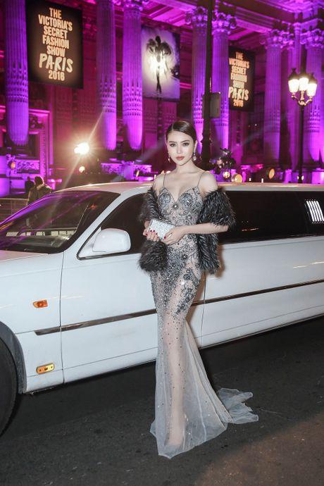 Ngoc Duyen - Le Ha di sieu xe xem show Victoria's Secret - Anh 7