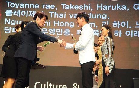 Midu, Ly Hai duoc vinh danh xuat sac tai Han Quoc - Anh 7